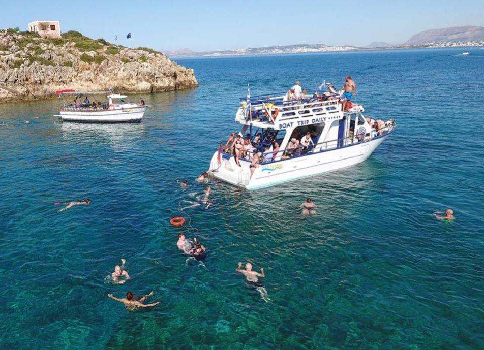 seaking-glass-boat